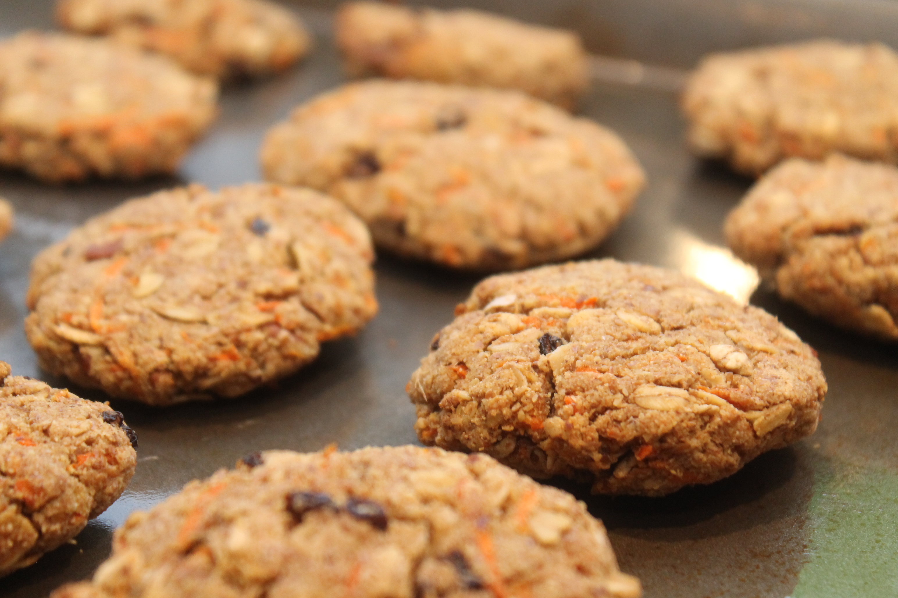 Carrot Ginger Oatmeal Breakfast Cookies | megg salad
