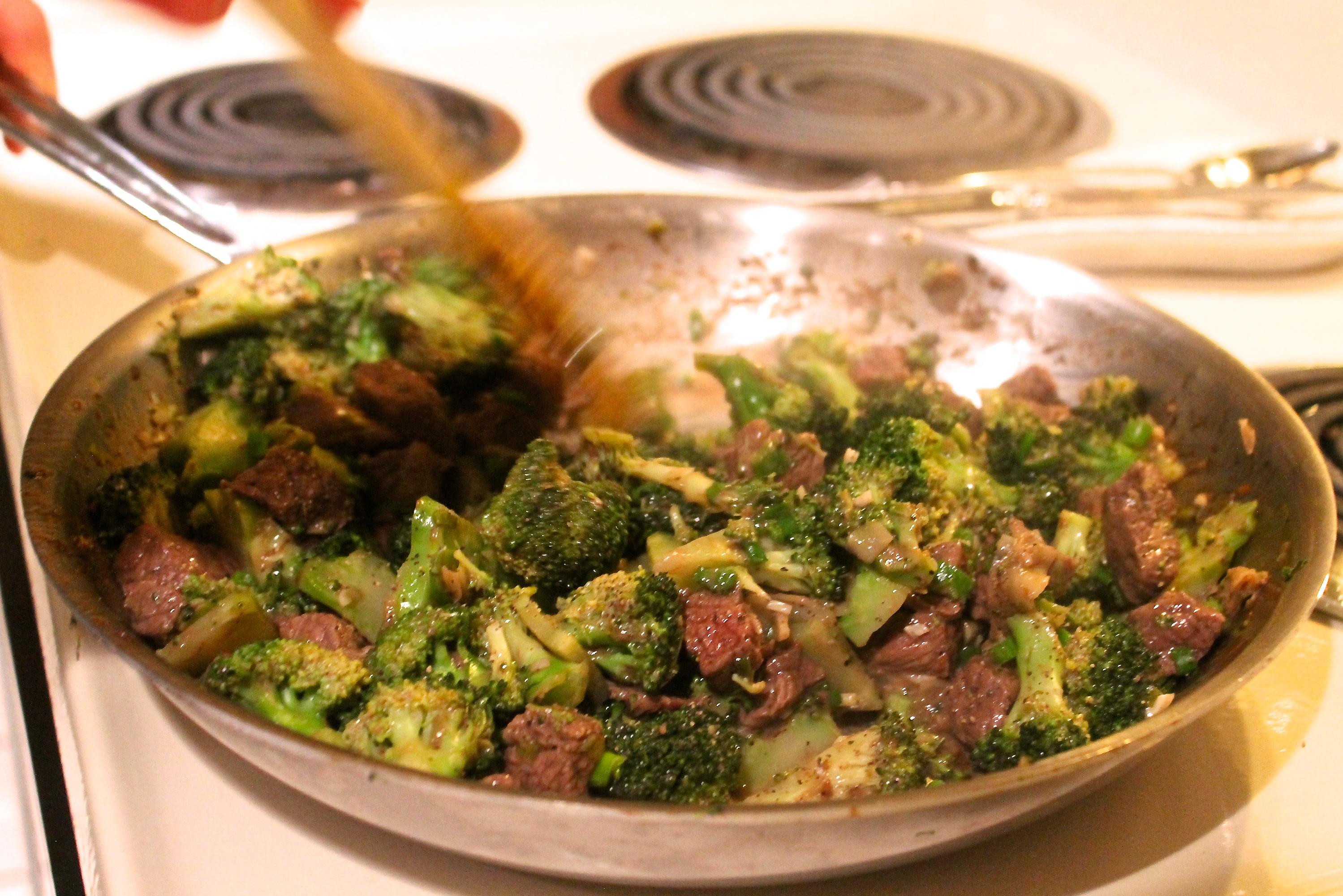 beef and broccoli pan