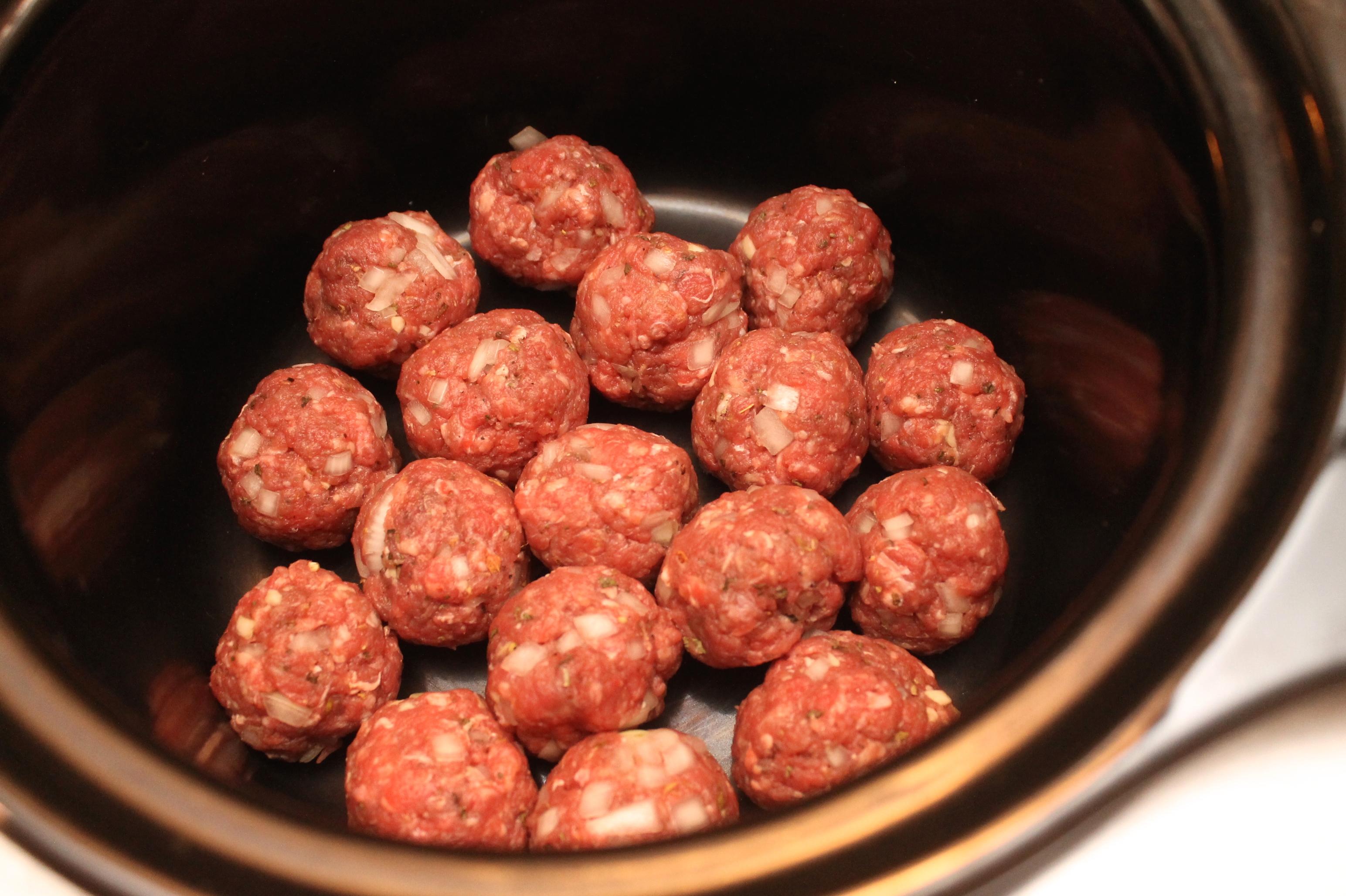 meatballs in slow cooker