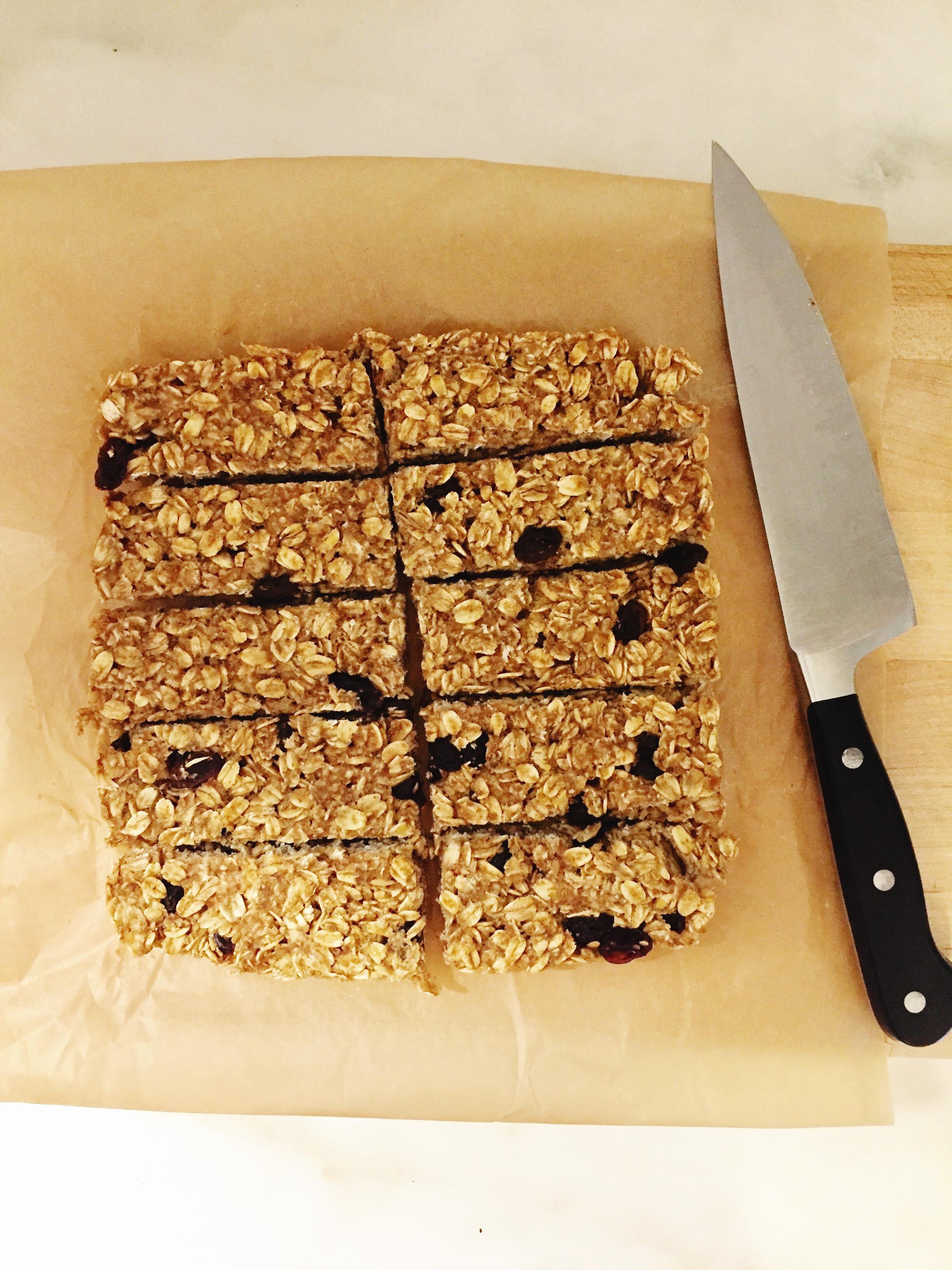 how to cut homemade granola bars